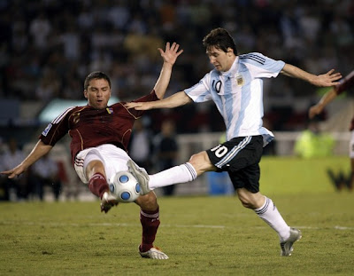 Lionel Messi World Cup 2010 Football Photo