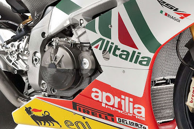 Aprilia RSV4 Max Biaggi Replica Right View