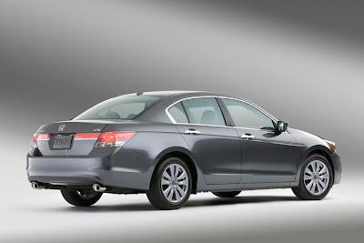 2011 Honda Accord Sedan Side Angle View
