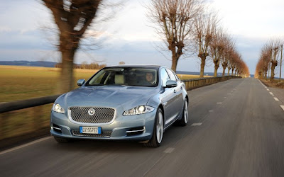 2011 Jaguar XJ Front View