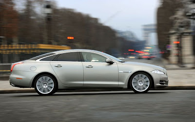 2011 Jaguar XJ Side View