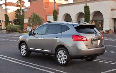 2011 Nissan Rogue Rear Side View