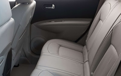 2011 Nissan Rogue Rear Seats View
