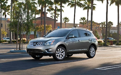 2011 Nissan Rogue First Look