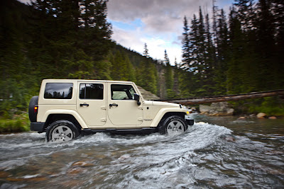 2011 Jeep Wrangler Side Action View