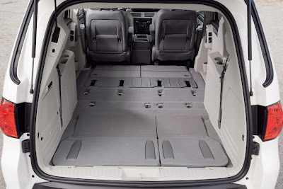 2010 Volkswagen Routan Cargo Space