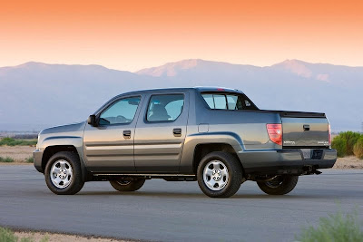 2011 Honda Ridgeline Side Angle View