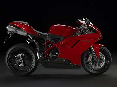 2011 Ducati 848 EVO Official Pictures