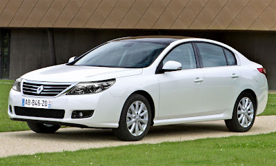 2011 Renault Latitude Luxury Sedan