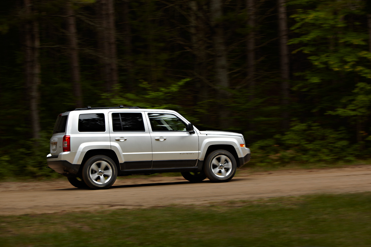 2017 Jeep Patriot Side View