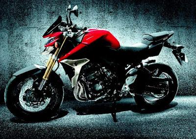 2011 Suzuki GSR750 First Image