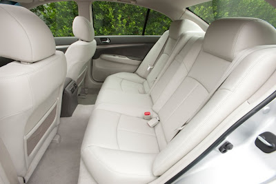 2011 Infiniti G25 Sedan Backseat