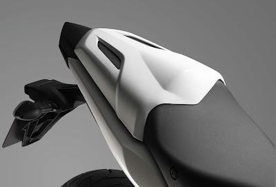 2011 Honda CBR 600F Seat