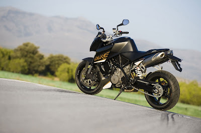 2011 KTM 990 Super Duke Official Photos
