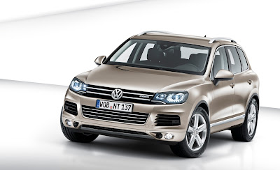 2011 Volkswagen Touareg Front Angle View