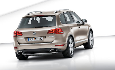 2011 Volkswagen Touareg Rear Angle View