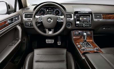 2011 Volkswagen Touareg Car Interior