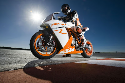 2011 KTM 1190 RC8R First Look