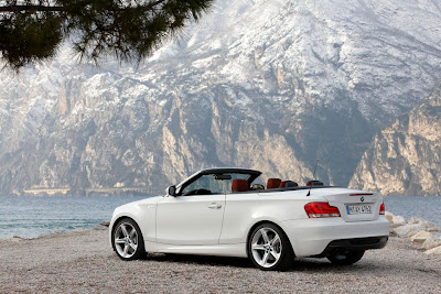 2012 BMW 1 Series Convertible Rear Side View