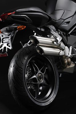 2011 MV Agusta Brutale 920 Exhaust and Wheel