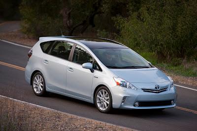 2012 Toyota Prius V Hybrid unveiled
