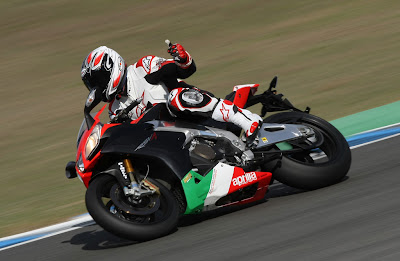 2011 Aprilia RSV4 Factory APRC SE First Ride
