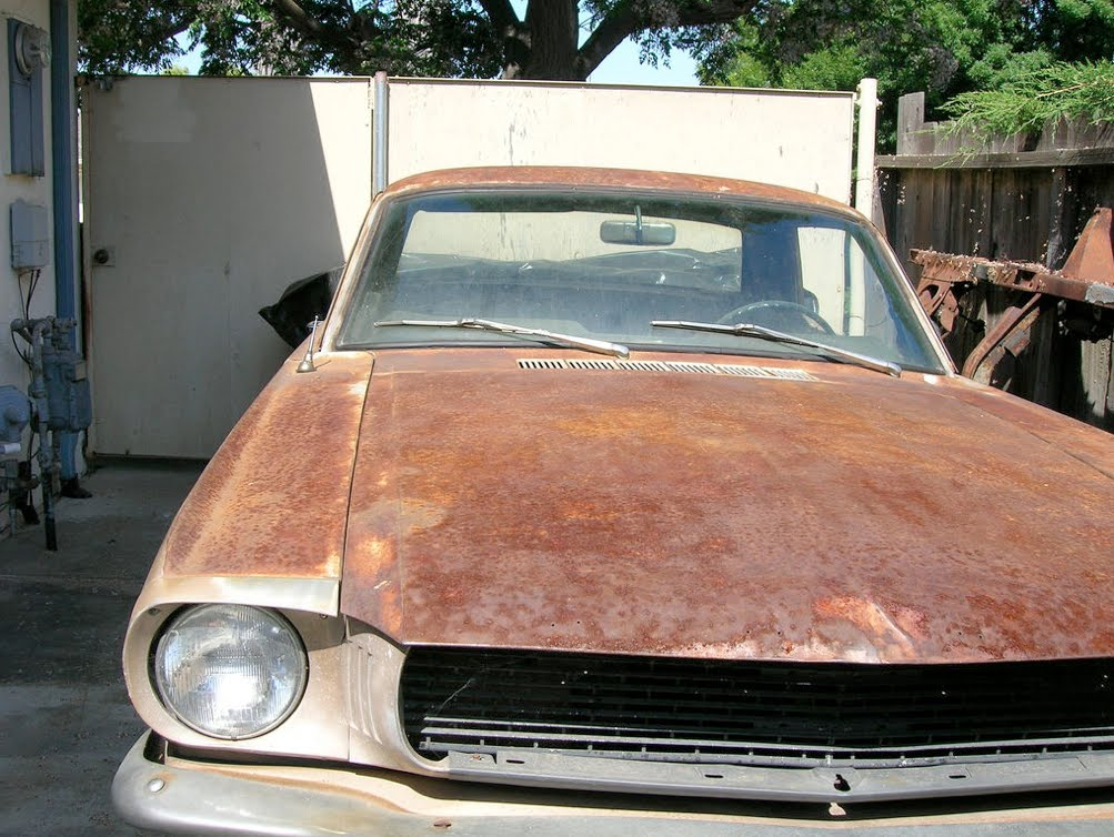 The Paranormal Corner: The Old Rusty Ford Mustang