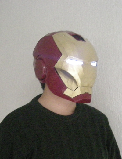 This Iron Man Helmet papercraft created by ScannerJoe.