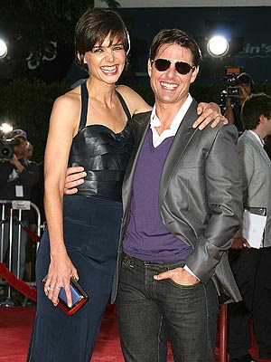 Cruise  Katie Holmes 2011 on Tom Cruise And Katie Holmes Divorce 2011