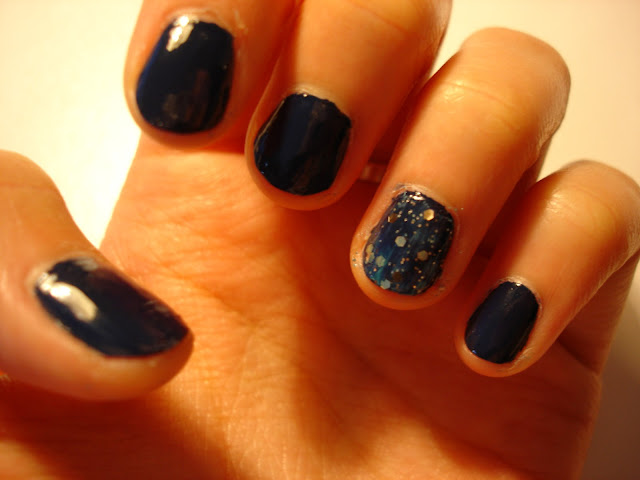 vincent van gough starry nights nail tutorial, only gold for me by sephora by opi, sponging nail art technique