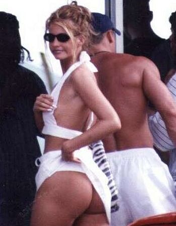 That S Sarah Michelle Gellar Yummy Ass For Real Check This Out She