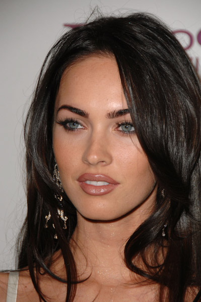 Make-Up advice for the freckley : wedding Megan Fox Freckles She looks so