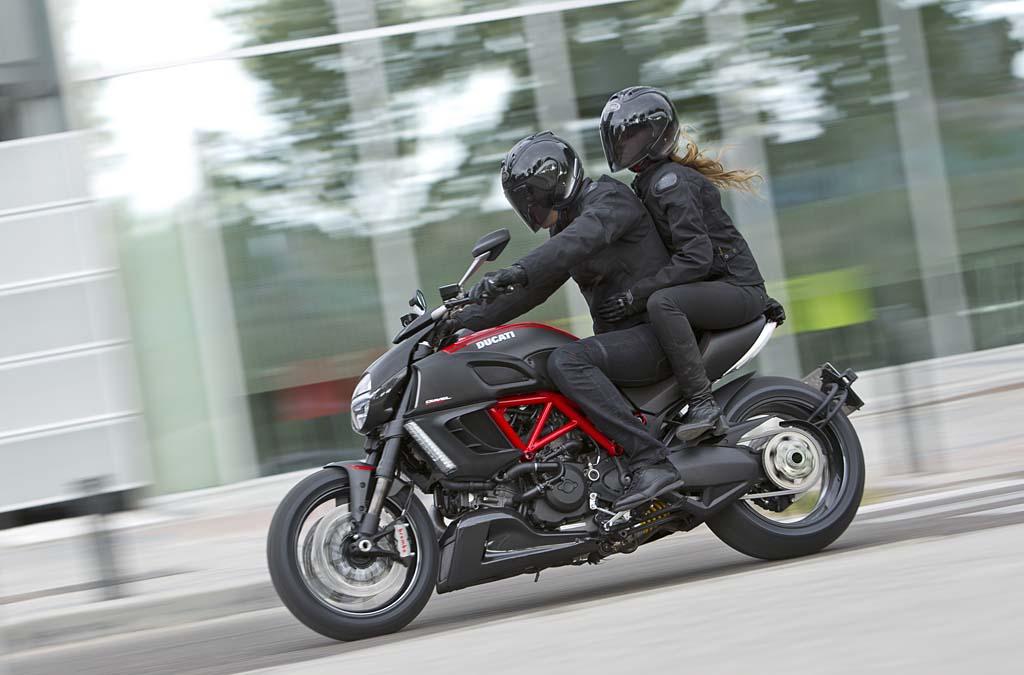 Ducati Diavel Pillion