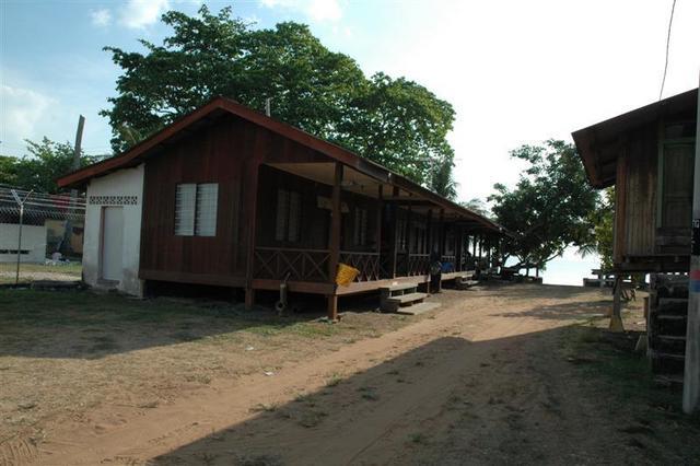 Jalan Masuk Ke Chalet Hj. Mahawa