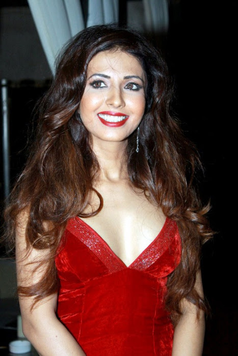 bollywood sheena nair ing her legss in red short dress