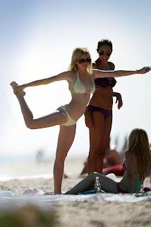 More of Linday Lohan  in Bikini