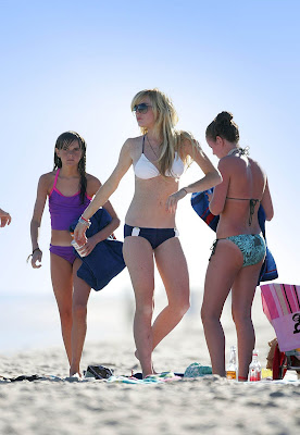 More of Linday Lohan  in Bikini