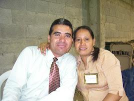 Saluditos del pastor de jóvenes y su esposa