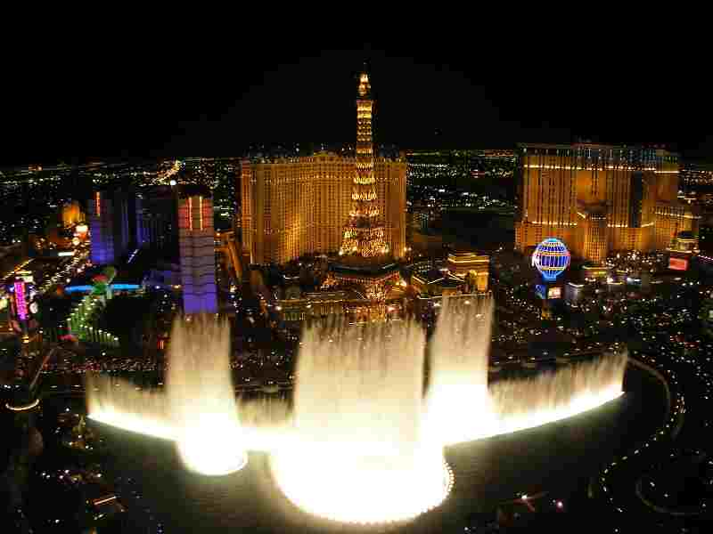 Mgm resorts lion 39 s roar bellagio foutains absolutely for Las vegas fountain