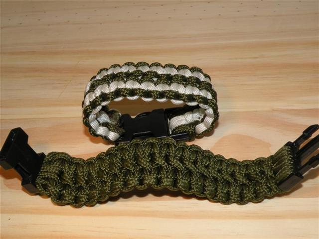 paracord project Learn how to make paracord projects like bracelets & slings, braid decorative celtic knots, bushcraft skills and more, with the best books & free videos.