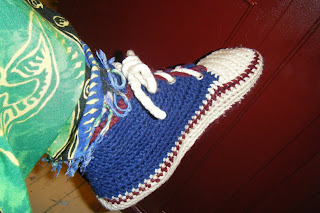 Pacy Crochets: Crocheted Sneaker Slippers - A Must For All ...