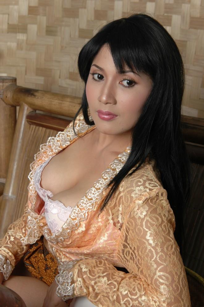Iis Faradina - Sexy Country Girl