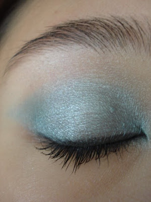 Ms Janel Light Blue Eyeshadow Look