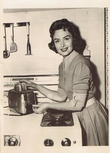 Comparing myself to a real1950 39 s wife women living well for Classic 50s housewife
