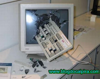 computador danificado