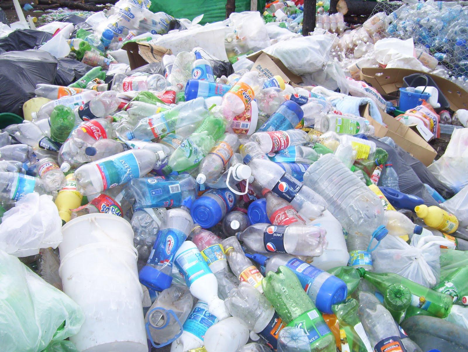 Secretariamedioambienteelbolson primeros fardos de plastico for Plastico para impermeabilizar lagunas