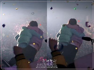 Hug & Hug .. Mas que un sentimiento TVXQ HUG+YOU%21%21%21+%2810%29
