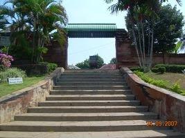Gerbang Masuk area Masjid Mantingan (Wisata Jepara)