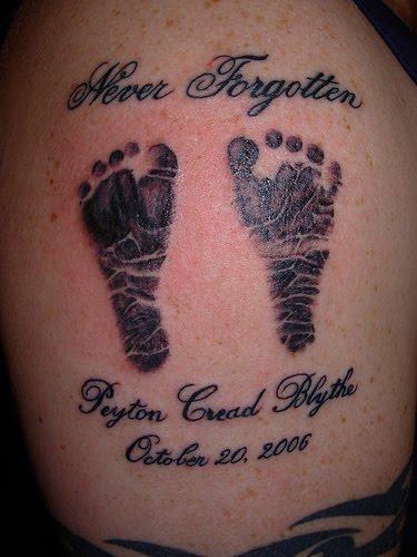 tatuagens Mão de Bebê dois pés