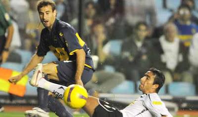 Palácio gastou a bola contra o Colo Colo e o Boca Jrs continua vivo
